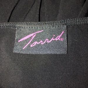 torrid Tops - Torrid 0 Black And White Tuxedo Bow Tank